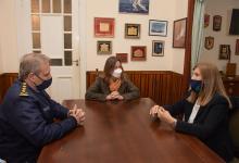 La ministra de Seguridad de la Nación, Sabina Frederic y su par entrerriana, Rosario Romero, ayer en Concepción del Uruguay.