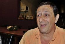 El empresario tabacalero Raúl Alberto Molina fue ultimado a balazos por dos hombres que arribaron en moto a su casa de campo, pasadas las 13:30 de ayer.