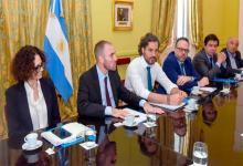 Santiago Cafiero lidera un encuentro en la Casa Rosada junto a Cecilia Todesca, Matías Kulfas, Martín Guzmán y Claudio Moroni.