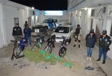 En los nueve allanamientos se secuestraron vehículos, drogas y otros elementos de interés para la causa por comercializar estupefaciente en menor escala.