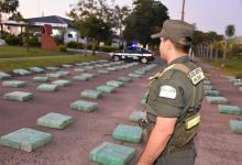 El diciembre Gendarmería secuestró más de cuatro toneladas de marihuana en Corrientes y ayer hizo lo propio al incautar más de dos mil kilos de ese estupefaciente en Victoria.
