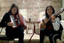 """""""Las Hermanas Vargas"""" finalistas del Concurso Chamamé 2.0"""