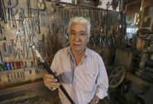 El orfebre Juan Carlos Pallarols contó algunos detalles del futuro bastón presidencial.