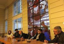 """La Comisión Episcopal de Pastoral Social realizó un encuentro titulado """"Pacto Económico para una política con alma""""."""