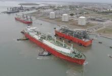 La semana pasada zarpó la primera venta de gas licuado hecha por YPF, con rumbo a Salvador de Bahía (Crédito YPF).