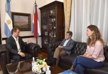 Gustavo Bordet junto al ministro de Planeamiento, Marcelo Richard; y la secretaria de Energía, Silvina Guerra, analizaron la reactivación de la obra pública en la provincia, tras haber sido exceptuada de la cuarentena por el Gobierno Nacional.