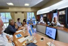 El Presidente Alberto Fernández acordó hoy con los gobernadores que el martes se inicie la vacunación contra la Covid-19 en todo el país, sin excepción.