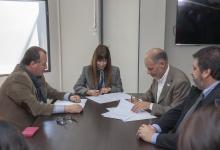Salud y la UNER firmaron un convenio para promover hábitos saludables