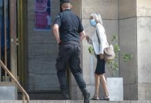 Sarlo declaró que la esposa de Kicillof le ofreció vacunarse en enero