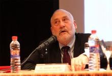 """""""El mundo pospandémico podría experimentar desigualdades aún mayores a menos que los gobiernos hagan algo"""", afirma Joseph Stiglitz."""