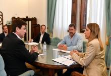 Stratta con integrantes de la comisión Labor Parlamentaria