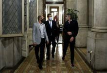 Sergio Massa, Máximo Kirchner y Martín Guzmán en el Congreso el día de la sesión por el impuesto a las Ganancias en Diputados.