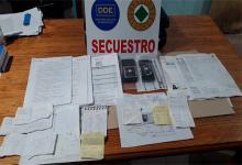 """La investigación permitió desbaratar el ardid de un municipal de Paraná que tramitaba carnet de conducir """"truchos""""."""