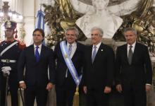 Alberto Fernández recibió en la asunción de su mandato al presidente Tabaré Vázquez que responde al Frente Amplio por los lazos históricos que unen a ambos partidos.