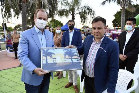 El gobernador Gustavo Bordet participó del aniversario de Piedras Blancas.